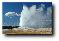 Old Faithful Geyser - Yellowstone NP, USA